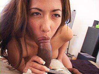 Latine coquine à gros nichons se fait baiser par son mari !